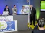 Le représentant du BE Kléber Daudin, lauréat du Prix des équipements techniques, accompagné de son client maître d'ouvrage