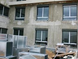 Le nombre de logements autorisés à la construction s'établit sur les trois derniers mois (mars-avril-mai) à 99 600