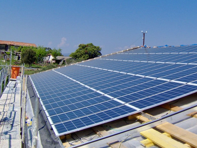 L'arrêté tarifaire du 9 mai 2017, publié le 10 mai au JO, définit les nouvelles conditions d'achat et de soutien à l'électricité photovoltaïque